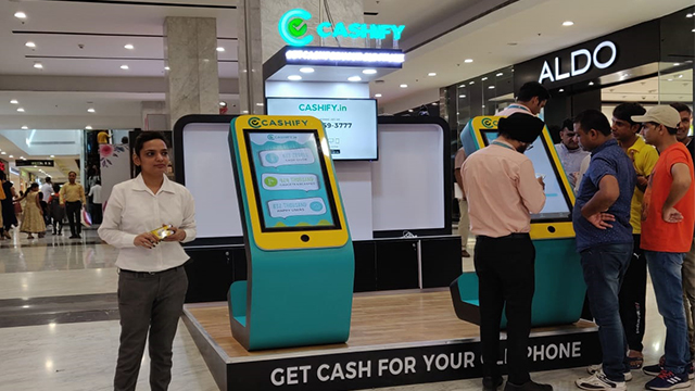 73ab51be08038 Cashify launched Pop-up shops in Chandigarh to sell old smartphones on the  spot